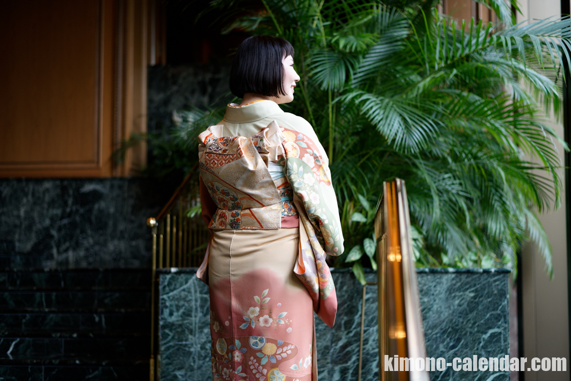 Female back shot of the upper body