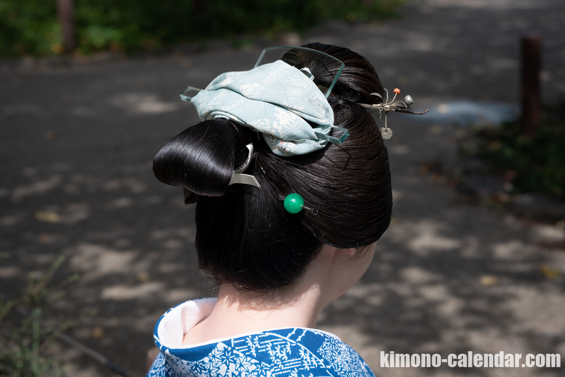 Traditional Japanese hairstyle Nihongami